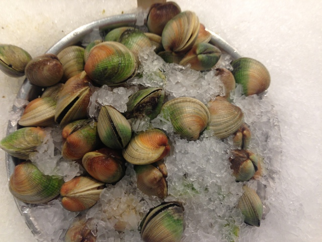 Pretty, pretty clams at Chelsea market.